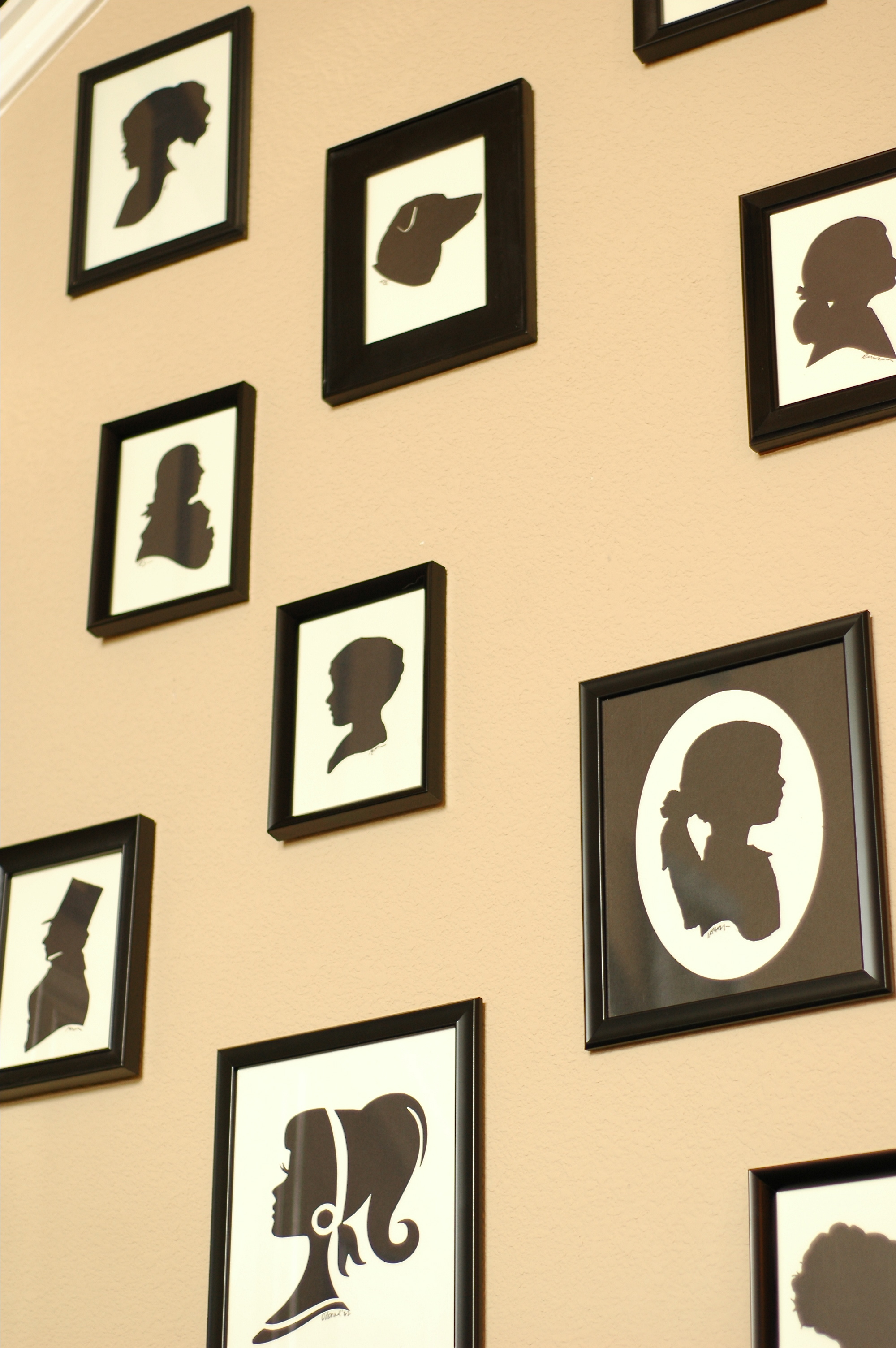 Wall of Silhouettes - Makely