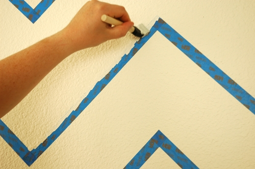 how to paint perfect stripes on textured walls