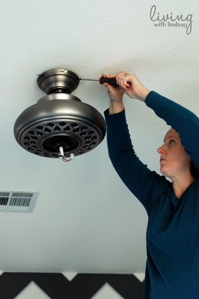 How to replace a ceiling fan part i makely for Ceiling fan motor screws