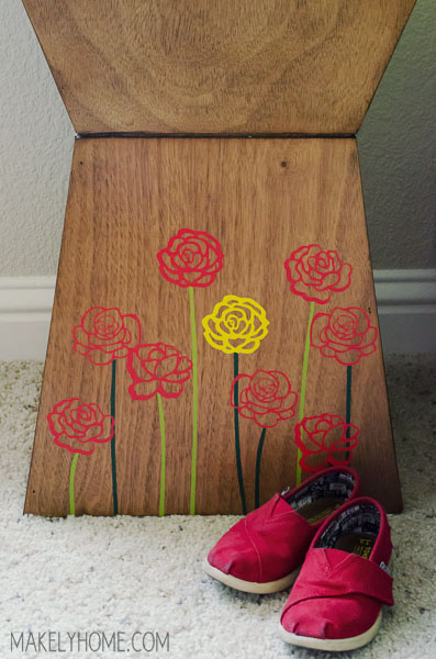 Yellow Rose of Texas embellished table - Create your own embellished furniture with vinyl designs! Tutorial at MakelyHome.com