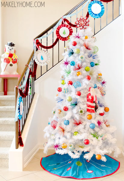 1960s Inspired White Christmas Tree via MakelyHome.com
