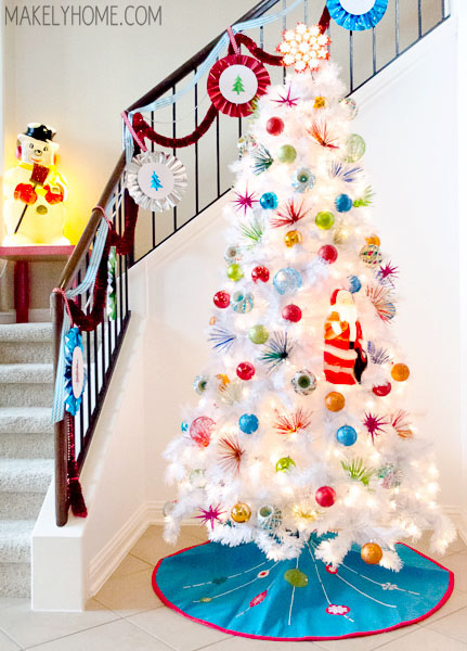 1960s inspired white christmas tree via makelyhomecom - White Christmas Tree Decorations