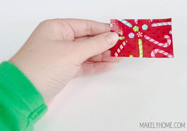 Five Minute Duck Tape Mini Bunting via MakelyHome.com