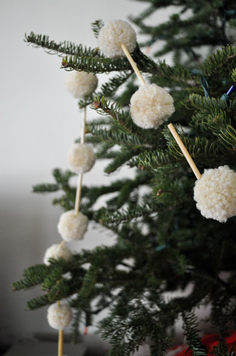20 Handmade Christmas Garlands Makely