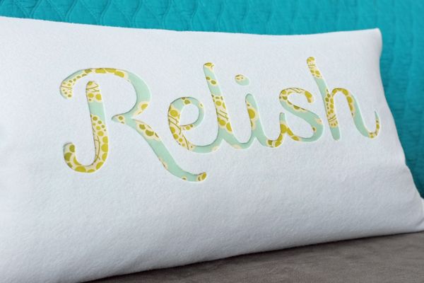 How to Make an Easy Typography Pillow by Teal & Lime for makelyhome.com